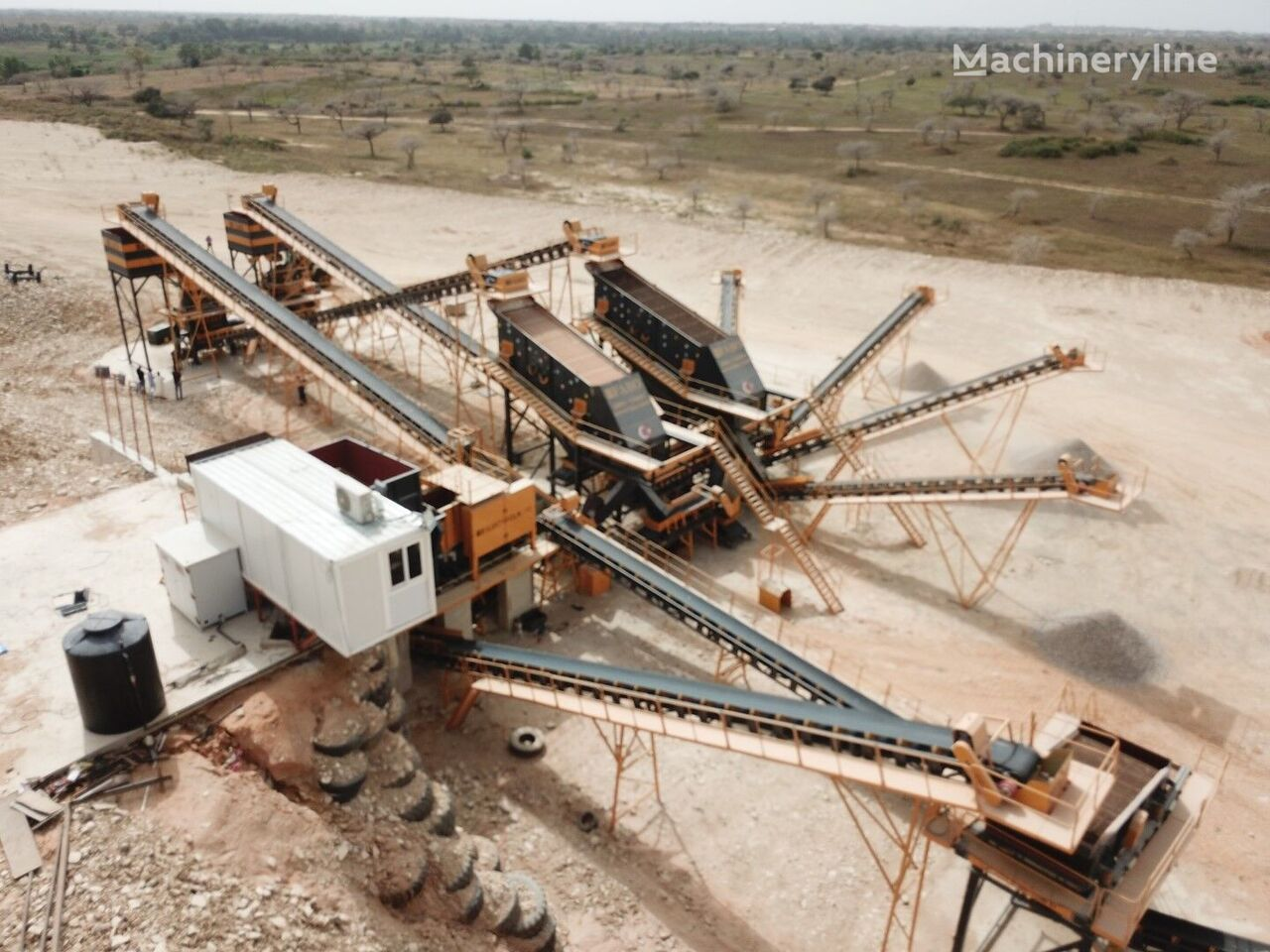concasseur FABO STATIONARY TYPE 200-350 T/H HARDSTONE CRUSHING & SCREENING PLANT neuf